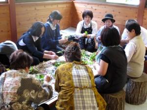 <b>「野山の旬いただく~寄り道編~村の古民家カフェへ」</b><br />仙人行きつけの南相木産の野菜をふんだんに使ったこだわり料理を提供するお店「里山ダイニングPacha &#8230;
